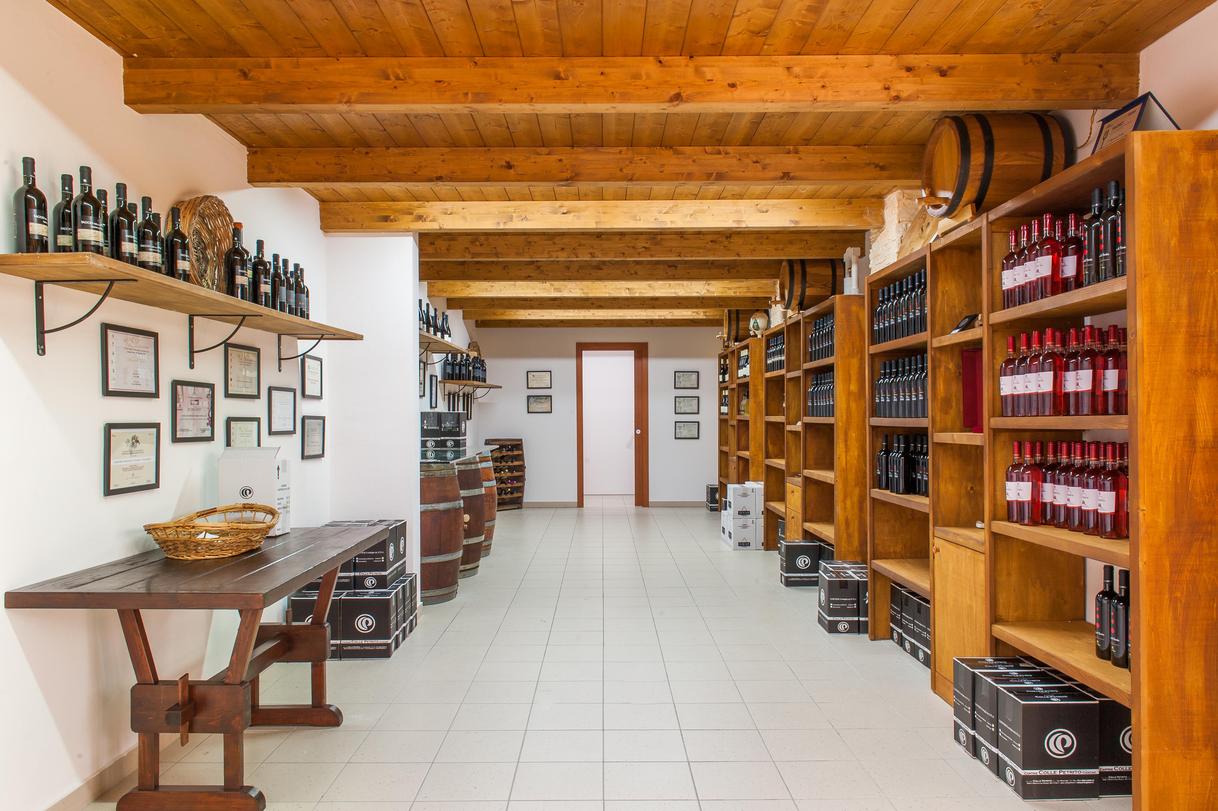 Shop Colle Petrito